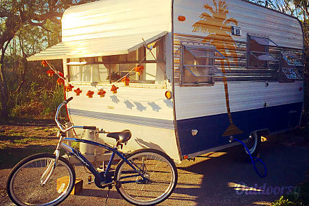 0Beach Chigger-FREE Delivery to Fred Gannon Rocky Bayou SP-Vintage 1966 Mobile Scout Camper  Niceville, FL