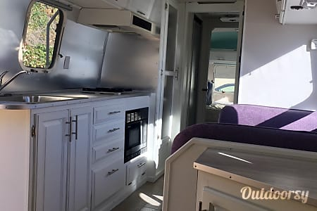 01994 Airstream Excella  Indio, CA