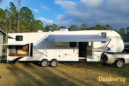 02013 Bunkhouse Camper Trailers Queen  Saginaw, MI