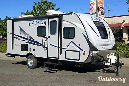 02018 Coachmen Apex Ultra-Lite 193BHS  Pleasanton, CA