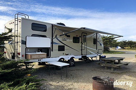 02018 Coachmen Freedom Express  Dixon, CA