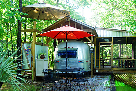 01973 Airstream Land Yacht  Crane Hill, AL