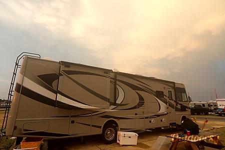 02014 Thor Motor Coach Hurricane  Virginia Beach, VA