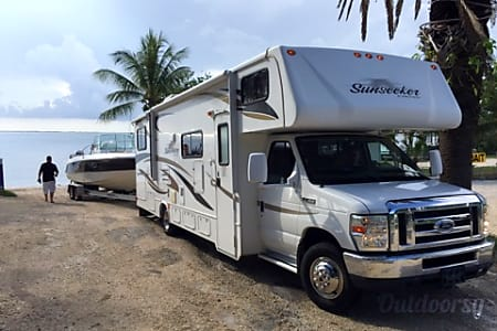 02012 Forest River Sunseeker  Davie, FL