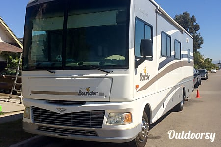 02006 Fleetwood Bounder  Westminster, CA