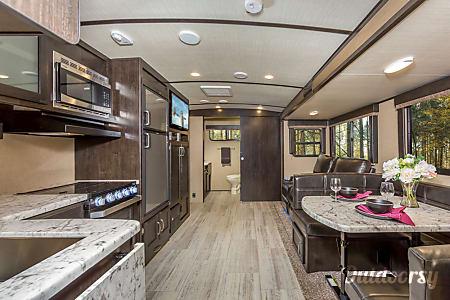 02017 Grand Design Other  Rancho Cucamonga, CA