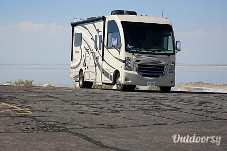 02017 Thor Motor Coach Vegas  Belvidere, IL