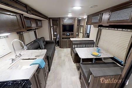 02017 Coachmen Apex  Las Vegas, NV