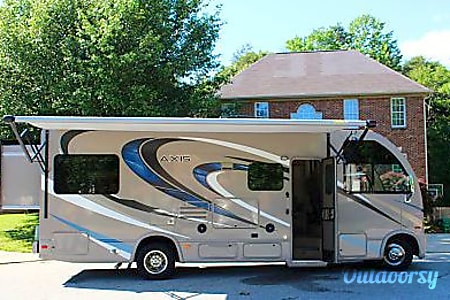 02016 Thor Motor Coach Axis  Oak Creek, WI