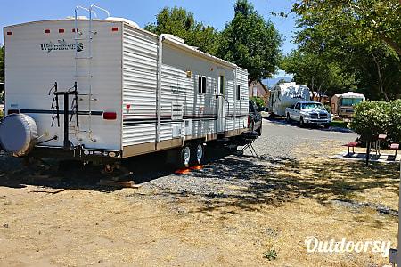 02004 Fleetwood Wilderness  Thousand Oaks, CA