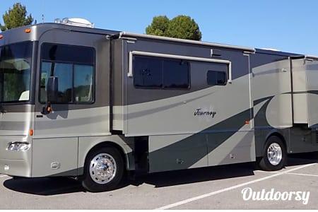 02005 Winnebago Journey  Palmdale, CA