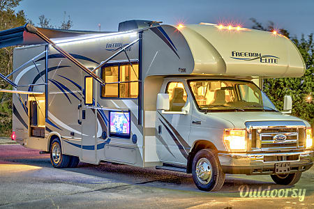 02018 Thor Motor Coach Freedom Elite  Charleston, SC