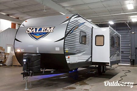0NEW! 2018 Forest River Salem - 41  Cadillac, MI