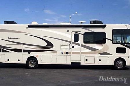 02016 Thor Motor Coach Hurricane, with Bunkhouse  Valdosta, GA