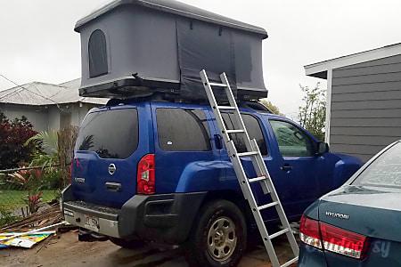 02014 Nissan xterra 4x4 camping machine  Makawao, HI