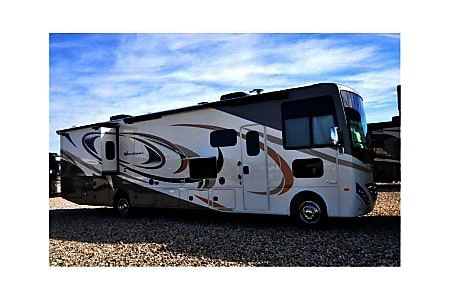 02018 Thor Motor Coach Hurricane  Bettendorf, IA