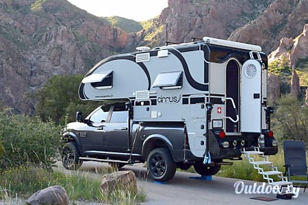 0Cirrus Truck Camper  Sugarcreek, OH