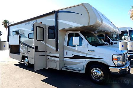 02015 Coachmen LEPRECHAUN 23QB  Madera, CA
