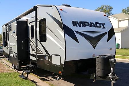 Big & Small RV Rentals Utah, Toy Hauler RV Rental, Sport