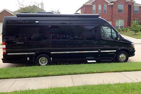 Houston TX RV Rental, Camper Van Rental / Class B Rental