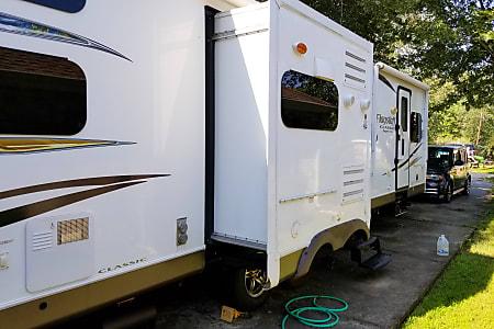 Rv Rental Lafayette Campers Motorhomes W Lagniappe Go Rv Rentals