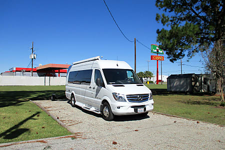 RV Rental San Diego, Camper Van Rental / Class B Rental