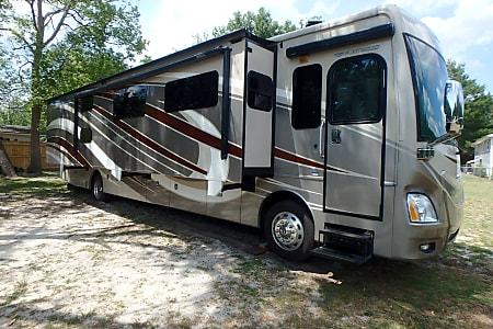 Jacksonville RV Rentals, Class A Motorhome Rental, RV Rental