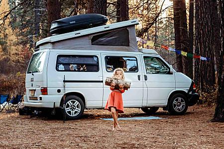Grand Ronde: Eurovan Camper
