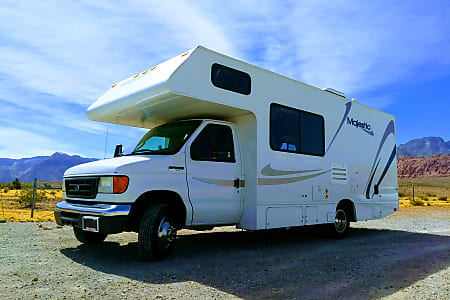Las Vegas RV Rentals // Prices & Reviews // Book Online [$50 Discount]