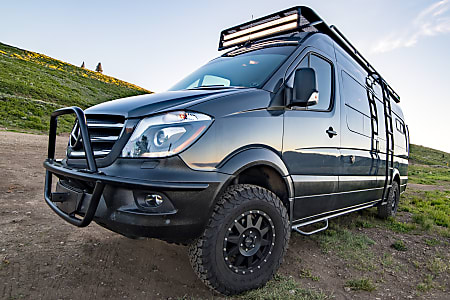 Mercedes Van Camper >> Mercedes 4x4 Sprinter Custom Outfitted By Reparadise