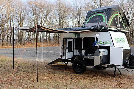 Trailer & Toy Hauler-Loaded--2019 Forest River No Boundaries 10 6- Easy Tow