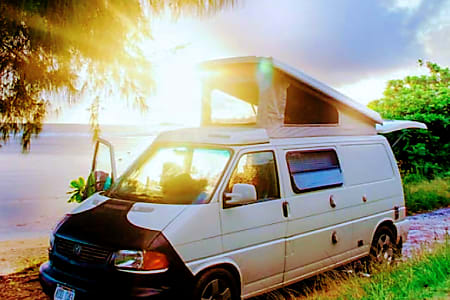 97b7d803f5  Waikoko  VW Eurovan  VANLIFE Kauai.