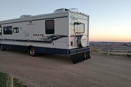Winnebago Brave DL 31'