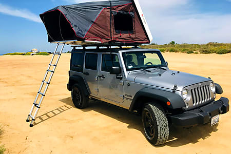 San Diego Jeep >> Jeep Wrangler Overlander 2 With Roof Top Tent And Camping Equipment