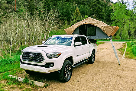 2019 Toyota Tacoma Front Runner Outfitters RTT 4x4