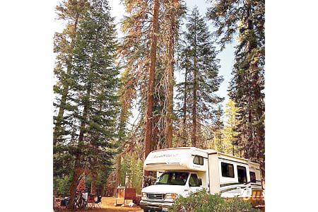 Adventure-ready! Sleeps 8 with Private Master - Fleetwood Jamboree GT 31w  El Cajon, California