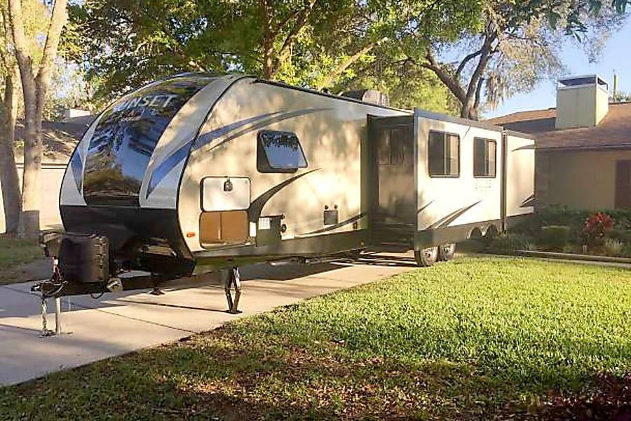 exterior 2017 Crossroads Sunset Trail Ultra Lite Lakeland, FL