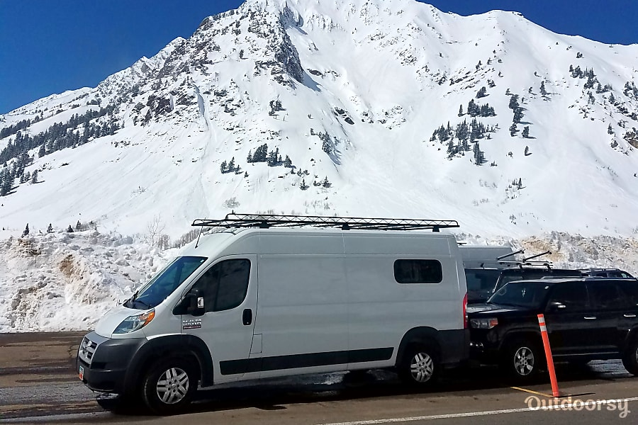 exterior Whale of a Tale Van, Free Pick-up and drop off S.L.C. Airport, Great Heater! Draper, UT