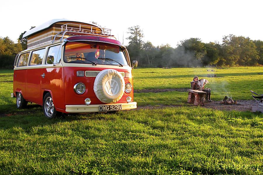 campervan rentals in London - Mangp the orange VW bus