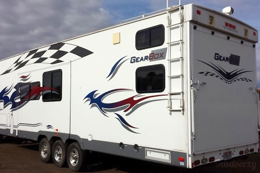 39′ Gear Box #1 5th wheel Phoenix, AZ