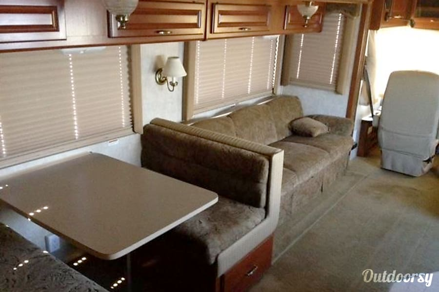 Interior Fleetwood Bounder 32' ($120 - $108 per day) w/ Slideout DISCOUNTED in Whetstone, AZ