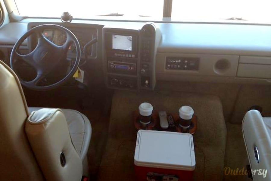 Fleetwood Bounder 32' Huachuca City, Arizona Drivers Cotpit