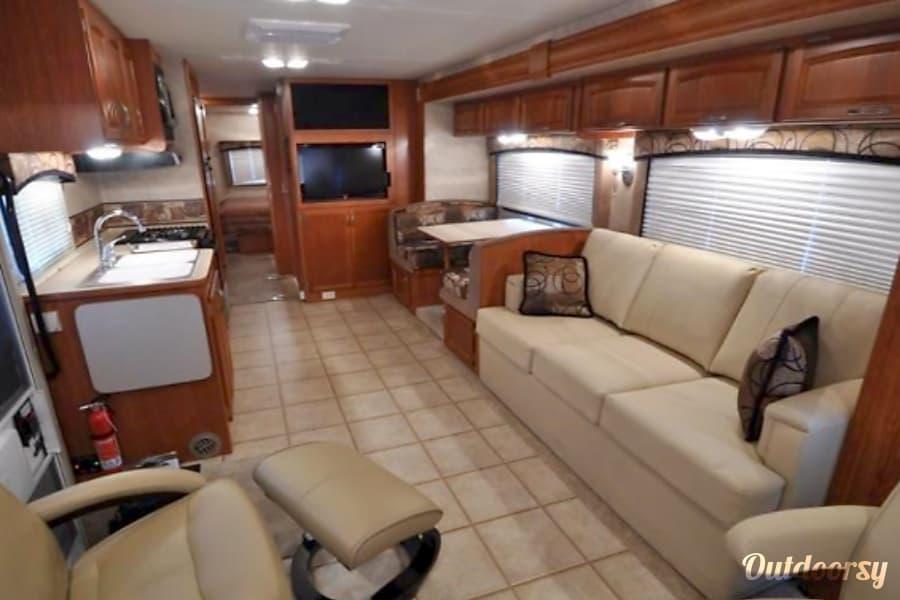 35' Luxury Motorhome Rental in Thousand Oaks - Monaco Riptide Bunkhouse Newbury Park, CA