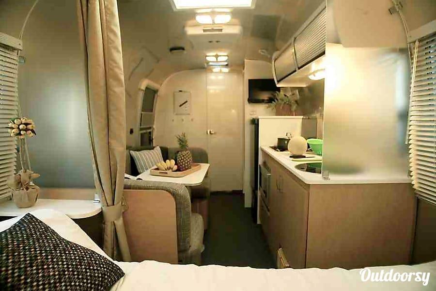 2014 Airstream Bambi Sport 22FB Chino, CA