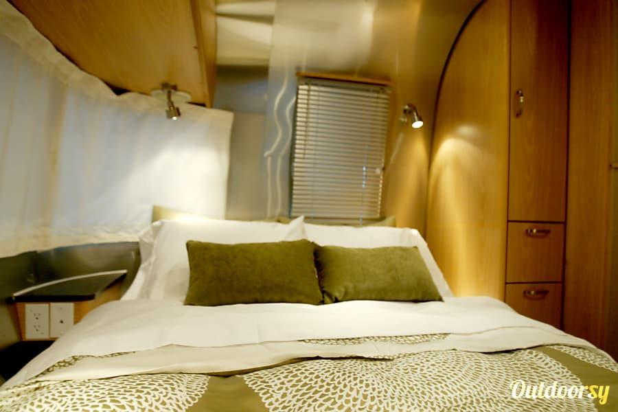 Airstream 25FB Safari Chino, CA
