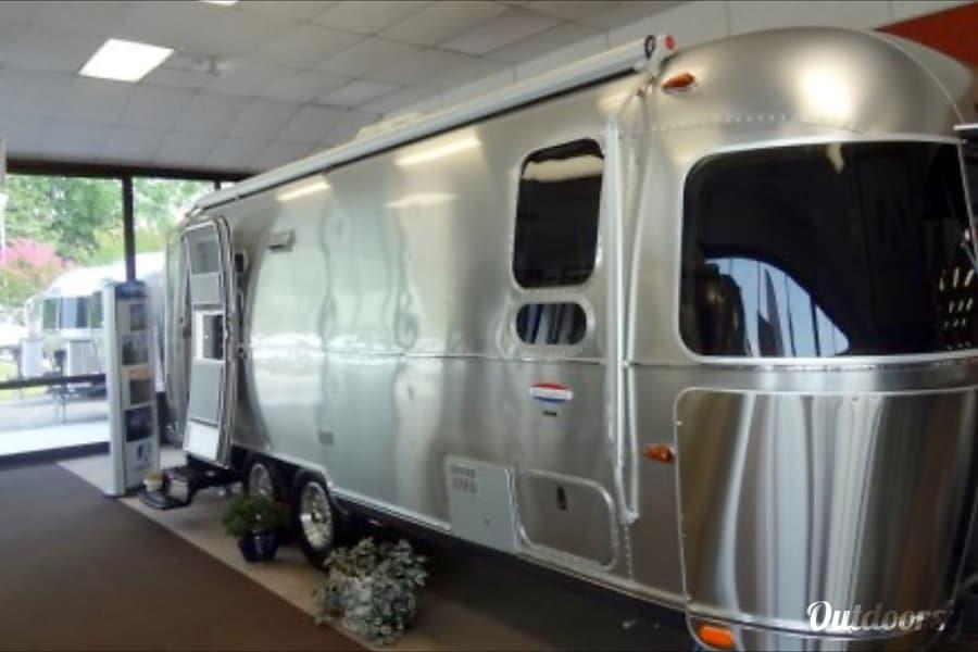 2015 Airstream International Tampa, FL