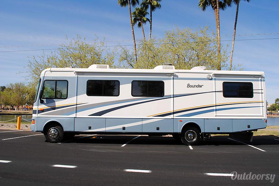 Fleetwood Bounder w/ 3 slides Mesa, AZ