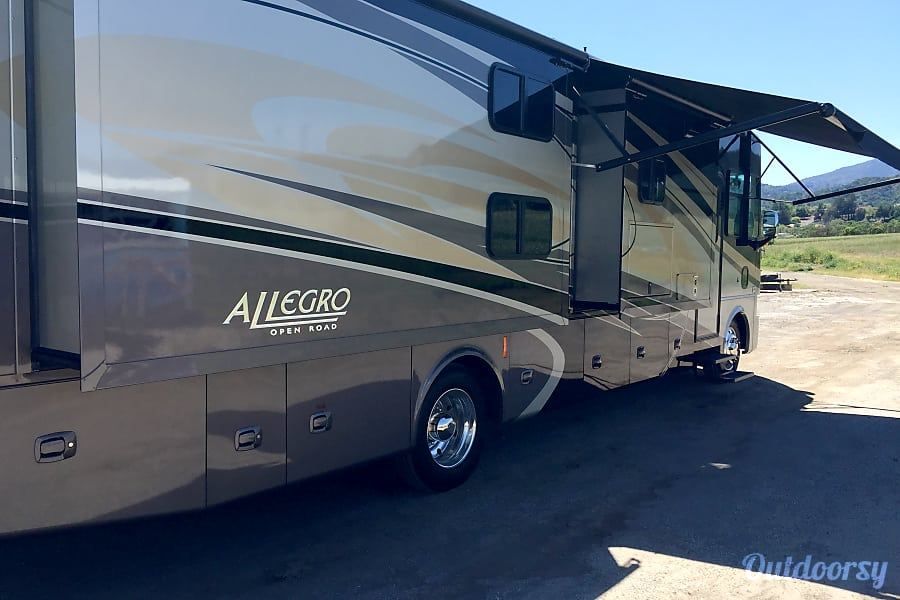 exterior 2015 Allegro Open Road Bunkhouse San Jose, CA