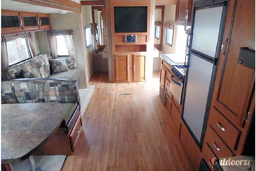 26' Wildwood Trailer w/3 Bunks & Slide-Out (T7) San Marcos, CA