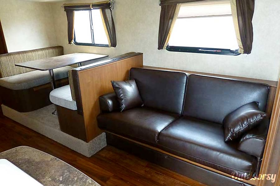 27' Wildwood Travel Trailer w/Bunk Beds/Slide-Out (T11) San Marcos, CA
